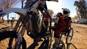 Verlamde motorcrosser