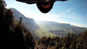 Vliegen met pro wing-suit vlieger Jeb Corliss