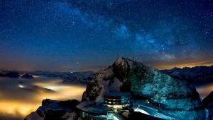 Zwitserse Alpen bij nacht
